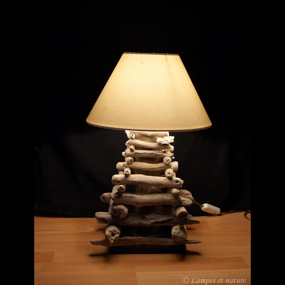 Comment fabriquer une lampe en bois flott for Fabriquer suspension bois flotte